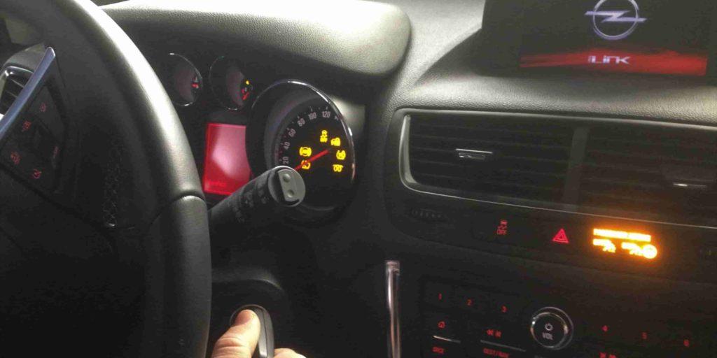 1 reset service Opel Mokka